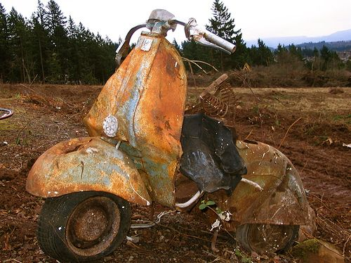 Vintage Piaggio Scooter by paulcolvinphotography.com, via Flickr