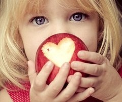 heart: Kids Photo, Photo Ideas, Take Pictures, Photo Props, Cute Ideas, Inspiration Pictures, Blue Eye, Photography Tips, Apples Heart