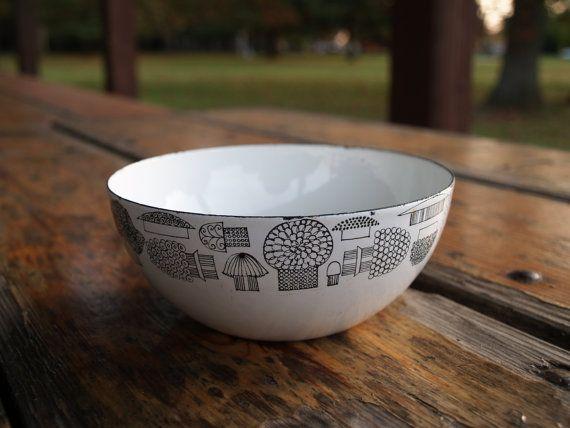 Danish Modern // KAJ FRANCK MUSHROOM Bowl /// Scandinavian Finel Mushroom Enamel Bowl /// Finel Made in Finland Bowl
