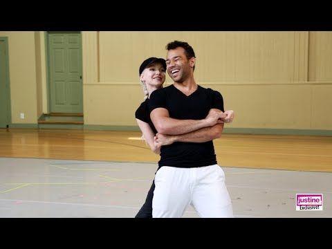 "Justine Magazine: Dove Cameron & Corbin Bleu at ""Mamma Mia!"" Hollywood Bowl Rehearsal! - YouTube"