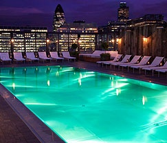 Just had a great night here at Shoreditch house, London: Rooftops Bar, East London, Shoreditch Houses, Favorite Places, Soho Houses, Rooftops Pools, Swim Pools, Houses Pools, London England