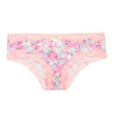 UNDIZ Sous-vêtements http://moodlook.com/showroom/fais-tes-valises/undiz-2014-07-18-france