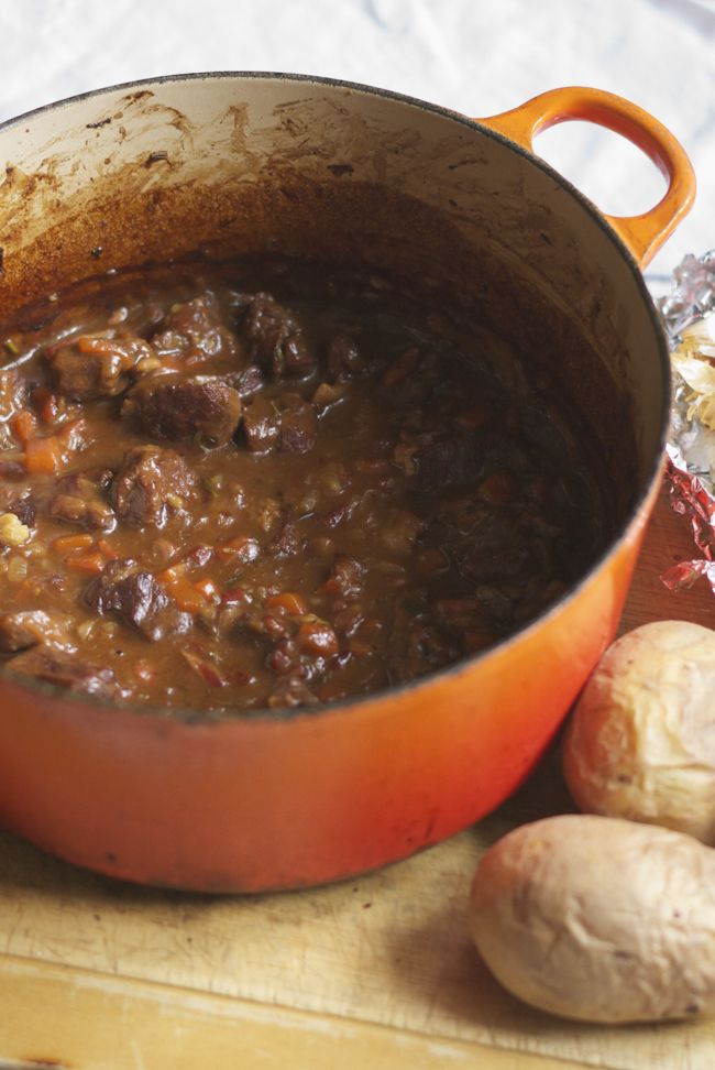 Smokey beef in beer with roasted garlic