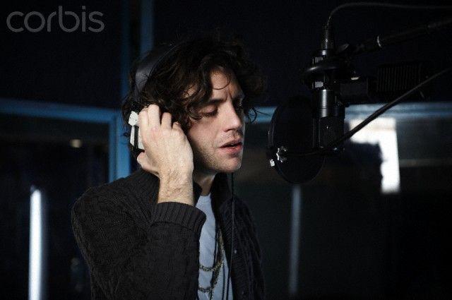 """Mika records lyrics for """"Everybody Hurts"""" Haiti fundraising single January 27, 2010"""