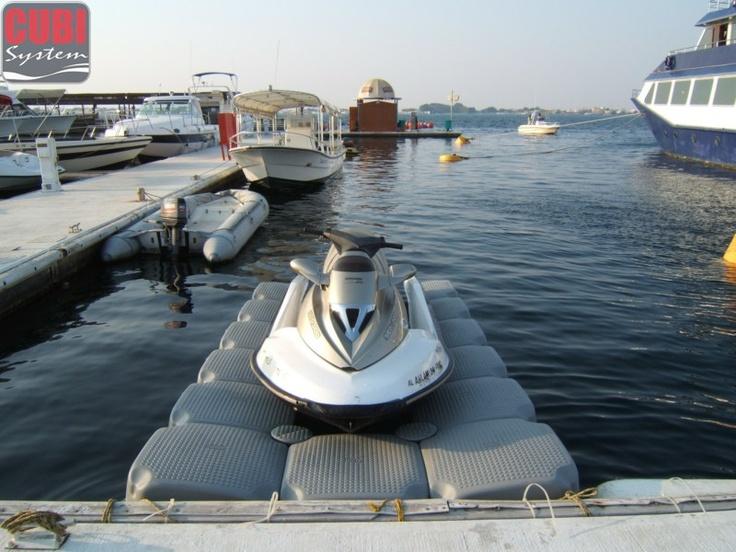 Dock Flottant modulaire pour bateaux et scooter des mer