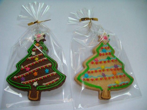 Albero di Natale: decorazioni con biscotti e caramelle