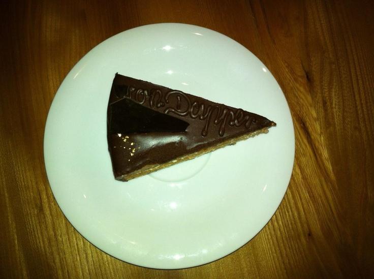 Kleiner Vorgeschmack... Die neueste Kreation aus der Sandberger Schokoladenmanufaktur... Die Residence von Dapper Torte... Ab Samstag bei uns erhältlich...