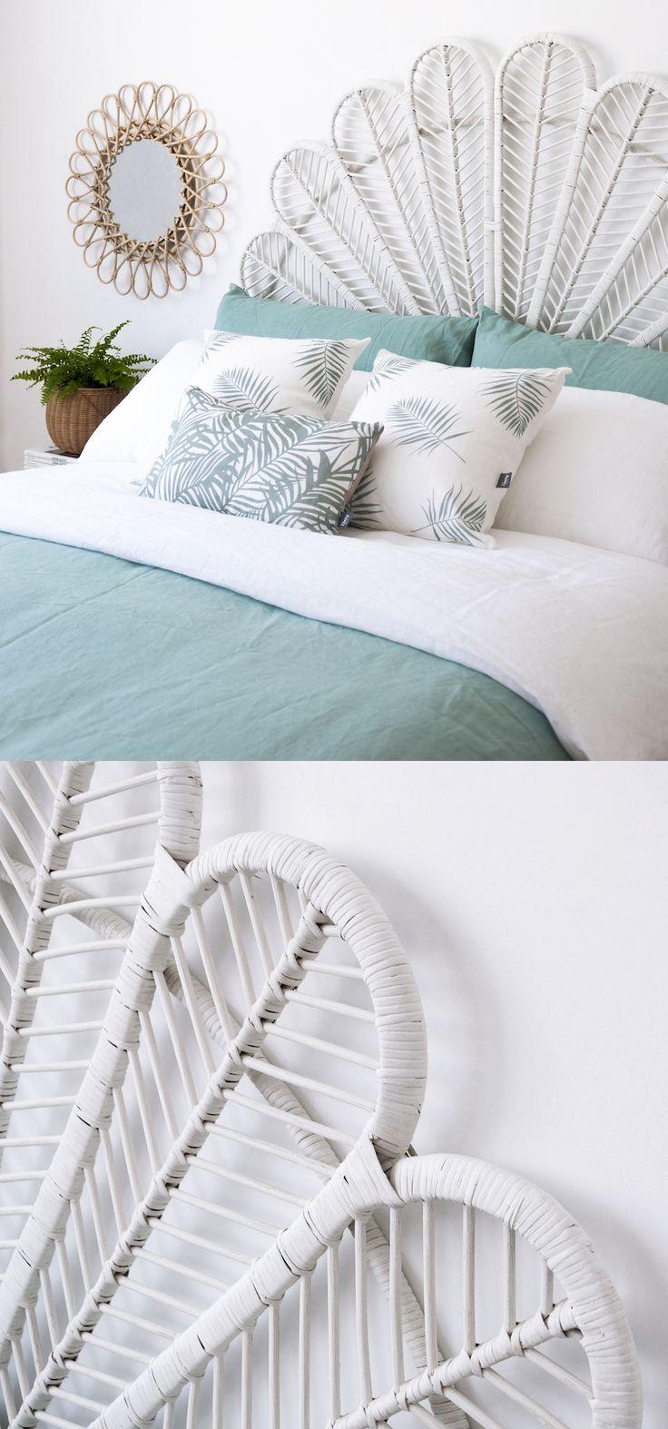 Hoy te damos unos tips muy fáciles y prácticos para darle ese toque fresco y natural al dormitorio. Tonos como el blanco y verde agua combinan genial con el cabecero de ratán. Consigue fácilmente ese look veraniego para tu dormitorio. #inspiration #kenayhome #homedesign