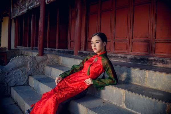 'Hoa hậu' Lê Trần Ngọc Trân đài các giữa Cung điện Huế | GIẢI TRÍ SAO 24H