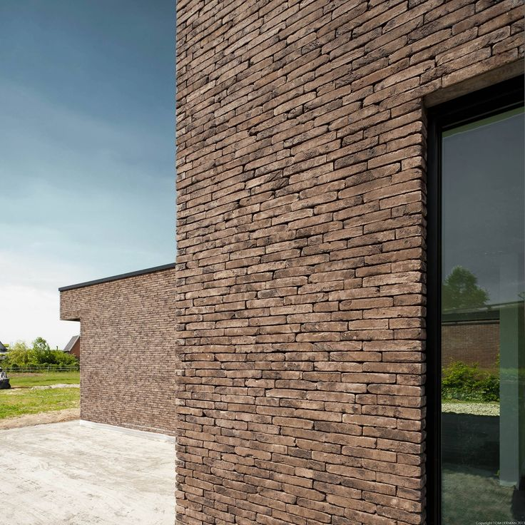 Brick architecture by Belgian architect Tom Lierman.