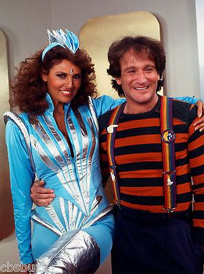 RAQUEL WELCH - RARE TV SHOW PHOTO - MORK AND MINDY - #R8 - WITH ROBIN WILLIAMS | Collectibles, Photographic Images, Contemporary (1940-Now) | eBay!