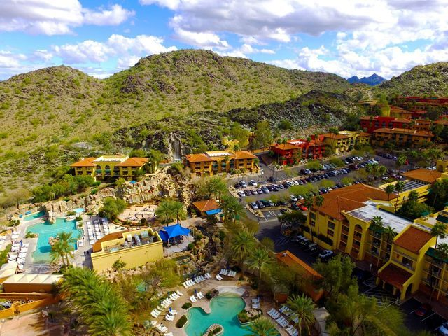 Looking for the Easter Bunny? He's Everywhere in Phoenix!: Easter at Pointe Hilton Tapatio Cliffs Resort
