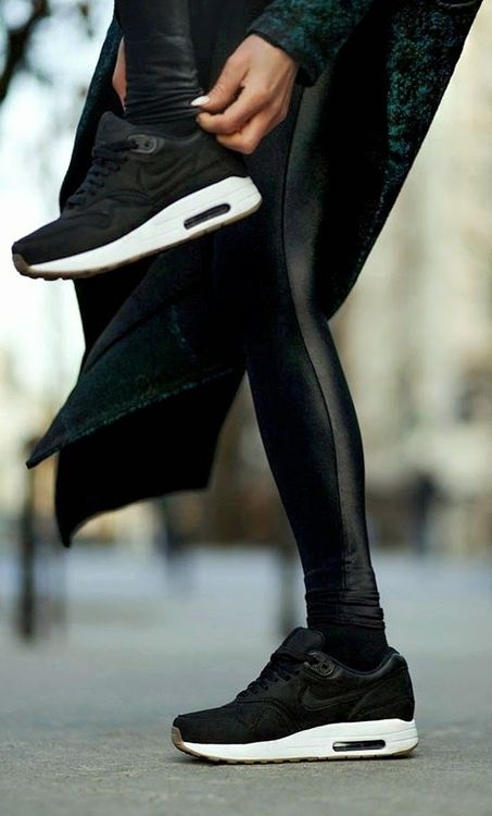 Sneakers. Sporty chic outfit in black. #kicks #rasspstyle #StreetStyle http://www.superrassspy.com