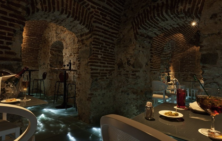 Dinner and drinks at Mercure Madrid Santo Domingo - Spain. #travel