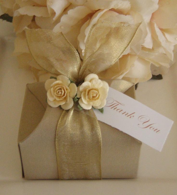 Wedding bomboniere - Gold treasure chest