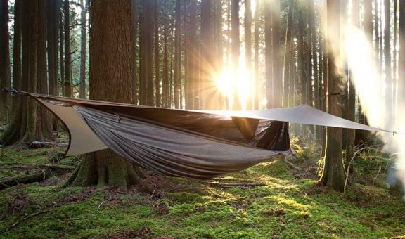 Best gift ideas for travellers blog - Hennessy Hammock: Camping, backpacking and ultra light travel just got way more comfortable with the hammock tent! Camp anywhere from a warm sunny beach to a chilly snow covered mountain.