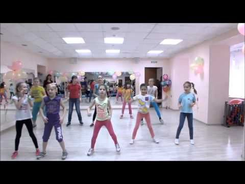 "Zumba kids ""Toca-toca"" - YouTube"