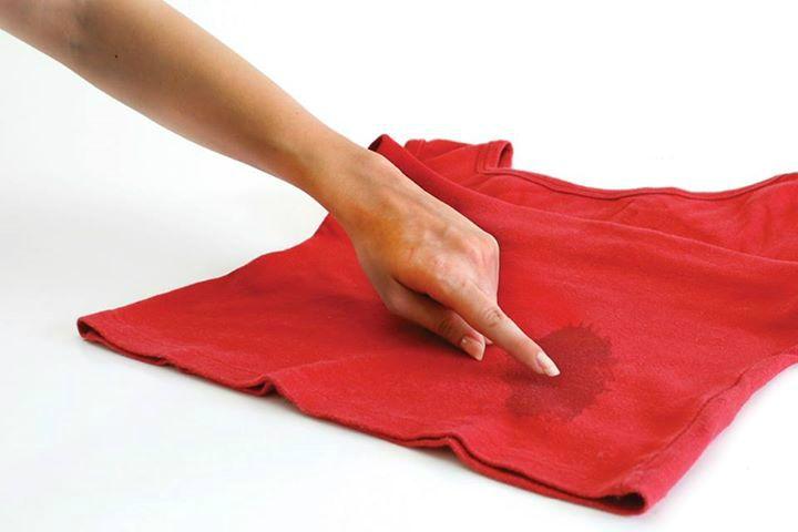 Enlever une tache d'huile sur un vêtement