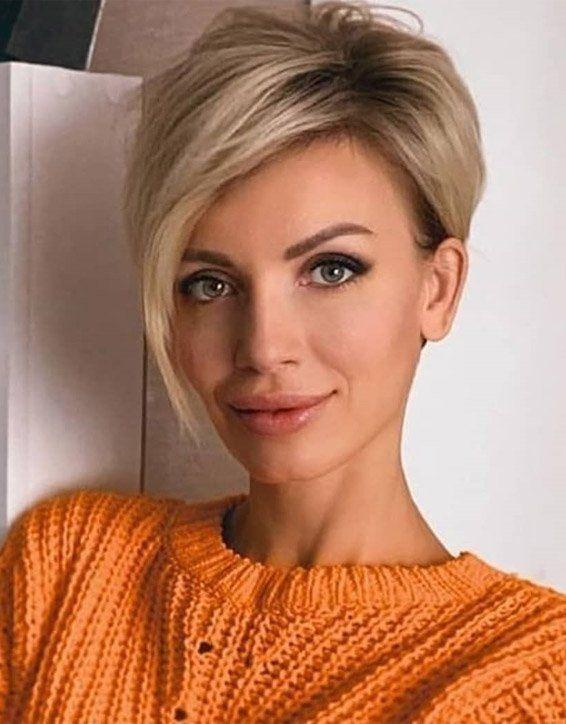 Frischer Stil von kurzen blonden Haaren für einen schicken Look   – Make-up