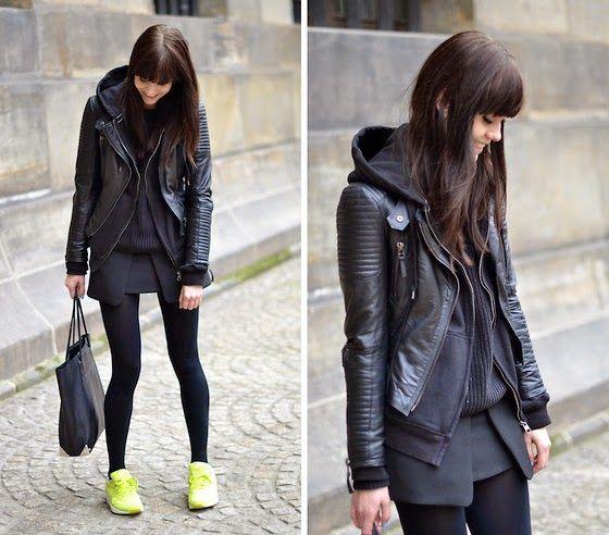 all black plus neon nike air max