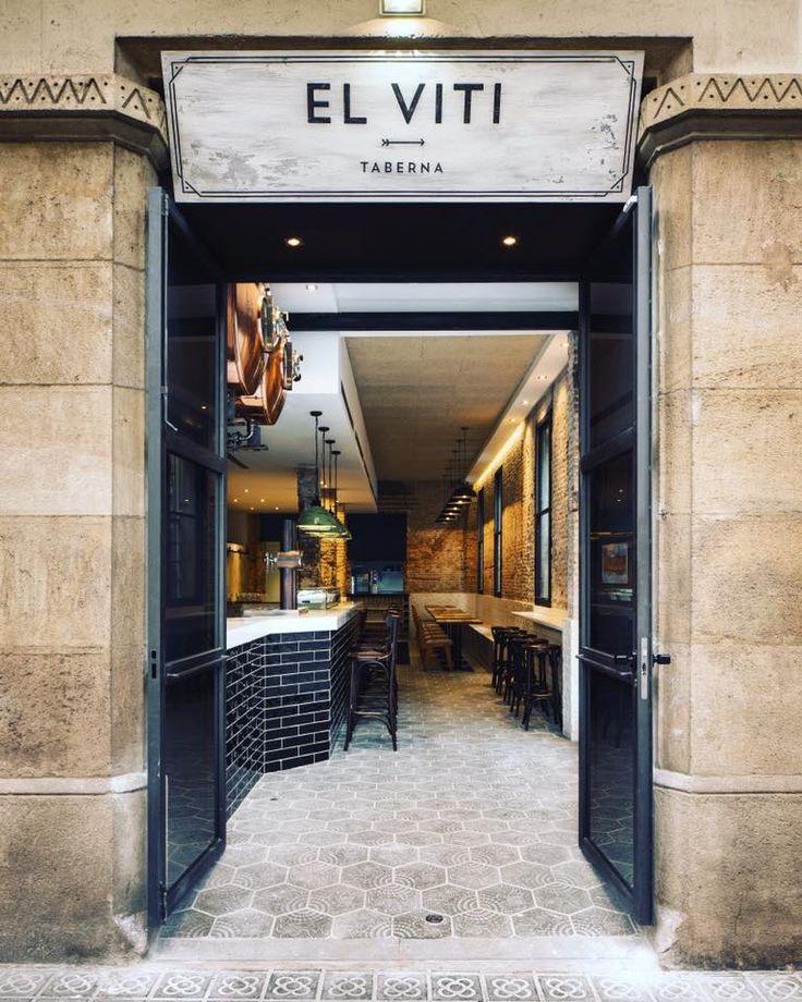 ¿Sabíais que en el restaurante El Viti de Barcelona colocamos el auténtico pavimento diseñado por Gaudí? ¿Qué os parece nuestro homenaje? Más información del proyecto aquí: https://josepcortina.com/restaurante-viti/