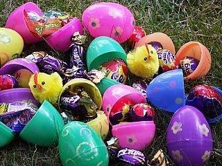 Buy Easter Egg hunt plastic eggs and supplies for Easter egg hunts at http://www.littlecraftybugs.co.uk/easter/egg-hunt-supplies.html