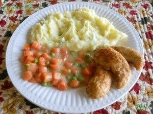 Kuřecí medajlonky s mrkví a hráškem