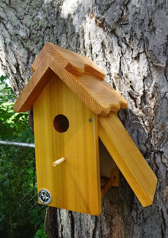 OLD WOOD-WOODEN TREE HAND MADE BIRD HOUSE THATCH ROOF MADE IN ENGLAND BIRDHOUSE
