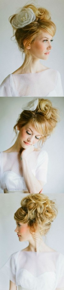 Romantic style Bride hair with big rose accesorizes