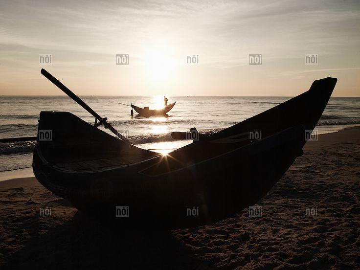 [photo by Boris Zuliani] Morning fishing in Dong Hoi, Quang Binh Province, Vietnam