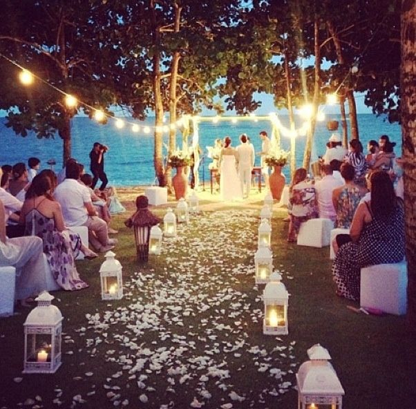 まるで光のカーテン♡ロマンティックなライトニングアイデアcollection40♡にて紹介している画像