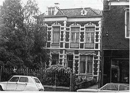 De villa van Rijkoompje ofwel de Bernhard van Kreelpoort in vroegere jaren.