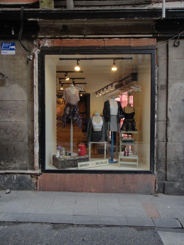 I found this window walking around Madrid centre, it belongs to Brandy Melville store.