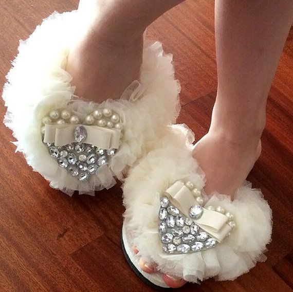 Bridesmaid Flip Flops  Customize  Bridal Party Gift  by Cocomillo