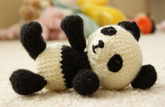 Pablo the Playful Panda - v2, amigurumi crochet