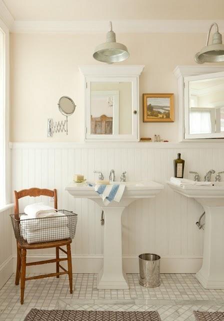 Un zocalo en el cuarto de baño: 'El regreso' - Paperblog