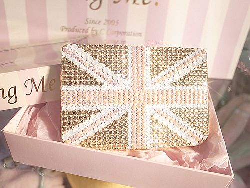 pink and gold Union Jack purse