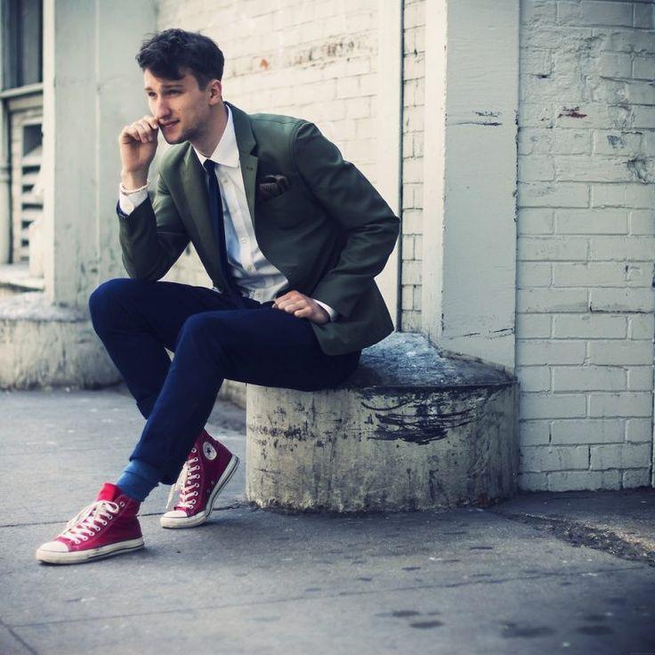 Chàng trai thân hình thấp bé chọn giày thể thao như thế nào cho đẹp?