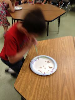 Great Minute to Win It games for the classroom on the last day :) Tunstall's Teaching Tidbits: Our Last Day in Pictures