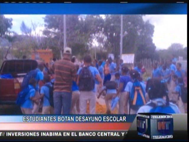 Estudiantes Botan Desayuno Escolar #Video
