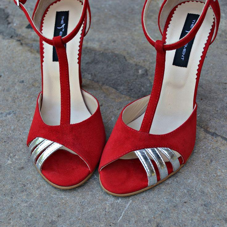 #rosettishowroom #the5thelementshoes #springsummer #sandals #highheels #red #silver