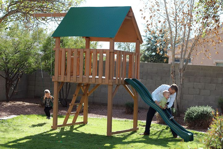 Kids raised playfort made by Mark