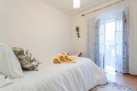 Veja este anúncio incrível na Airbnb: Varanda da Severa, Lisboa Mouraria em Lisboa