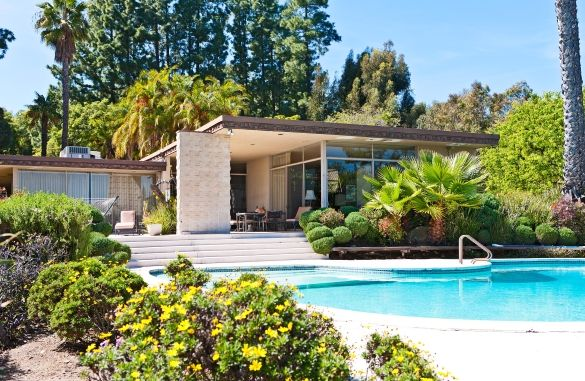 Designed by AIA architect Philmer J. Ellerbroek, one of the more esteemed residential and commercial architectural authorities of the 1950s, the home rests high above the city on a prime 4.6-acre lot in the hills Bel Air, CA. Currently listed for sale by oyce Rey of Coldwell Banker Previews International. Pinned by Secret Design Studio, Melbourne. www.facebook.com/SecretDesignStudio