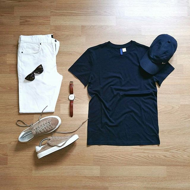 Stylish Summer Grid by @randycabral Follow @stylishgridgame www.StylishGridGame.com Brands ⤵ T-Shirt + Jeans: @hm_man Shoes: @zara Watch: @festina.watches Sunglasses: @hawkersco Hat: @nike