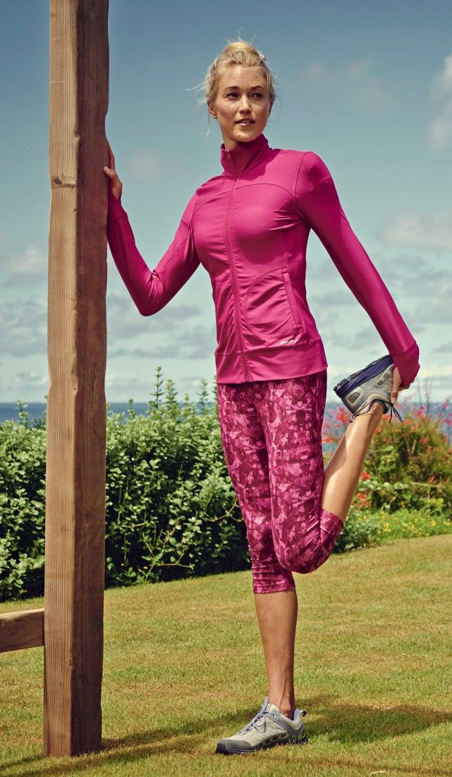 I love this pink workout outfit by Eddie Bauer. #running