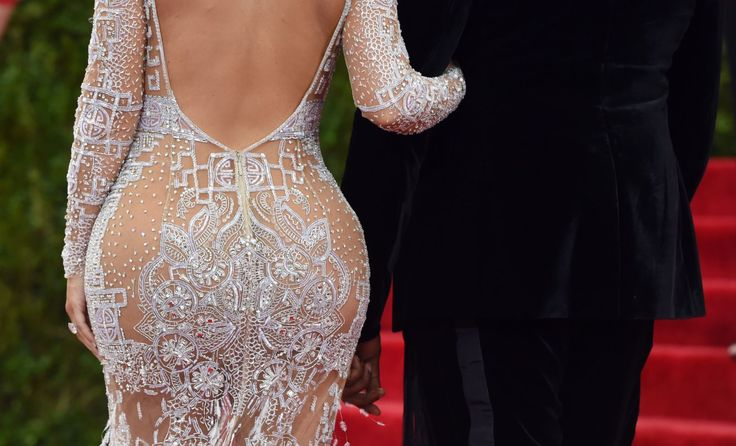 19 Things Only Women With Big Butts Understand