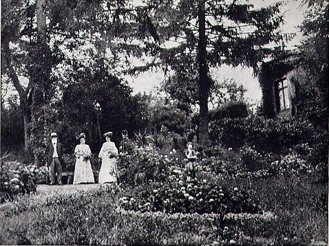 Uncle Jules Amiot in the garden of the Pré Catelan. The park of the Pré Catelan, in Illiers. was created by Uncle Jules Amiot. husband of Aunt Elisabeth. In the novel, becomes Swann's park.(http://www.marcelproust.it/luoghi/illiers_dintorni.htm)