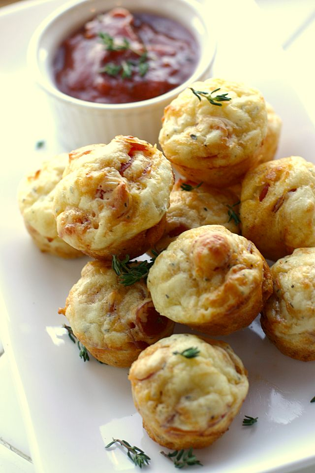 Simply Sensational Holiday Appetizers: Easy Pepperoni Pizza Puffs | Babble