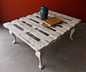 Como hacer una mesa de centro con un palet / How to make a coffee table with a pallet | Bohemian and Chic